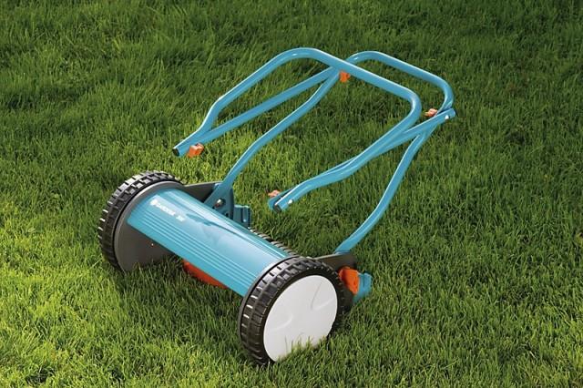 Преимущества ручной газонокосилки